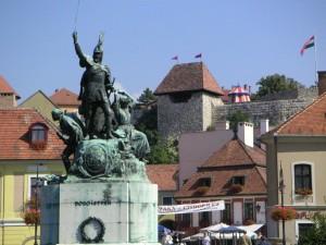 Hungary_Eger_Dobo_ter